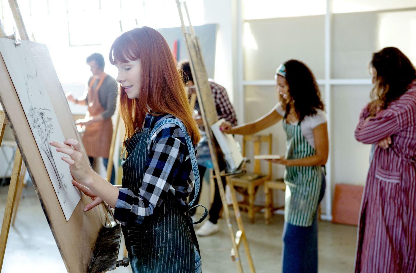 Mädchen malen in Florenz
