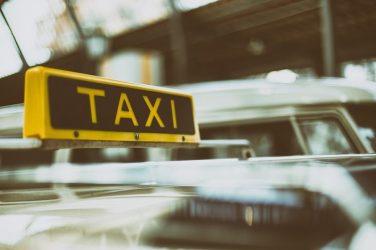 taxi-in-florencia-artìculo-còmo-moverse-por-florencia-sin-coche-europass-italian-language-school