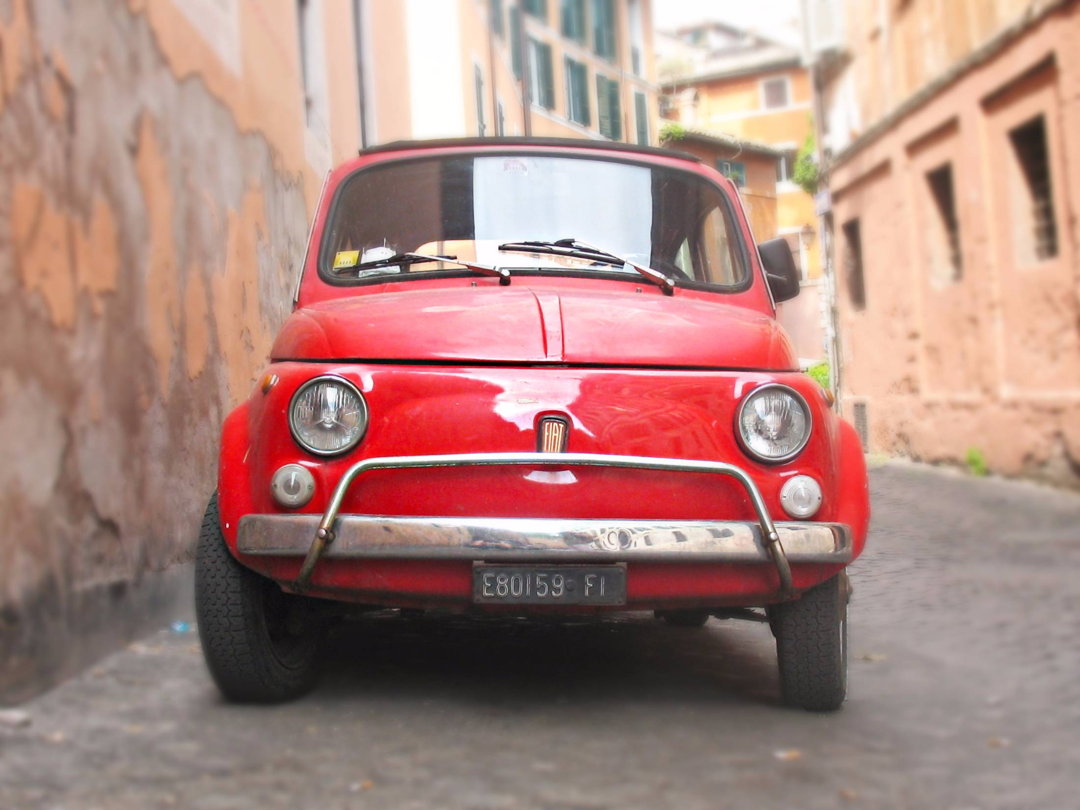 Red Fiat 500 in Florence