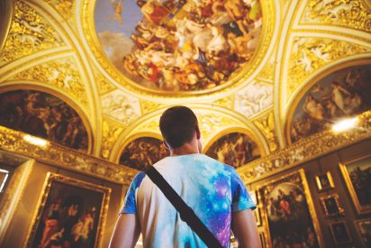 guy visiting a florentine museum