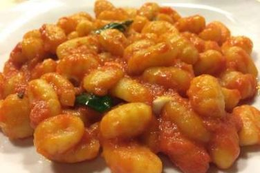 Gnocchi with tomato sauce and basil